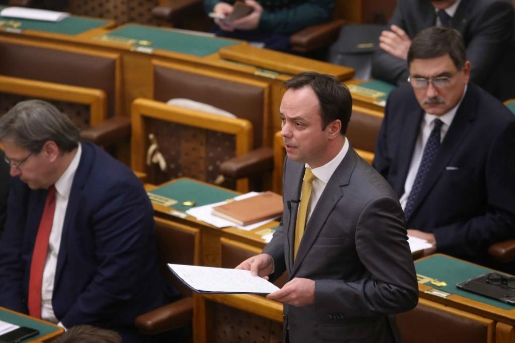zsoltparlament181112-169